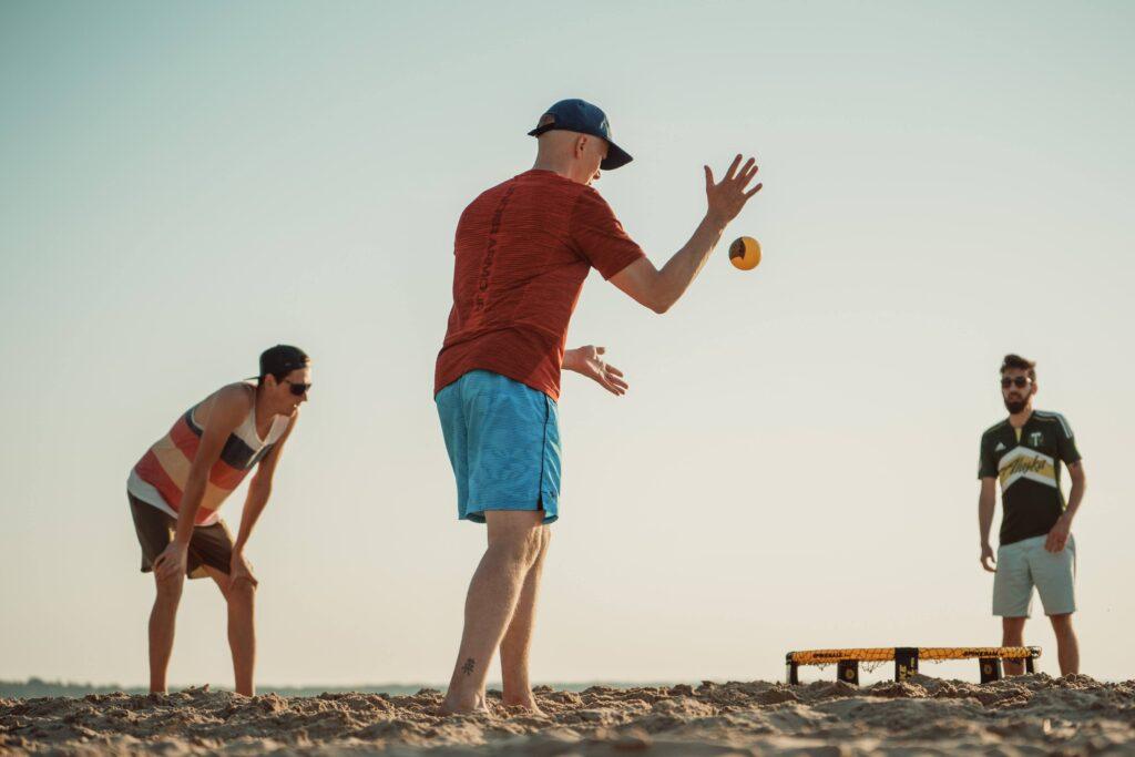 kuidas mängida spikeballi